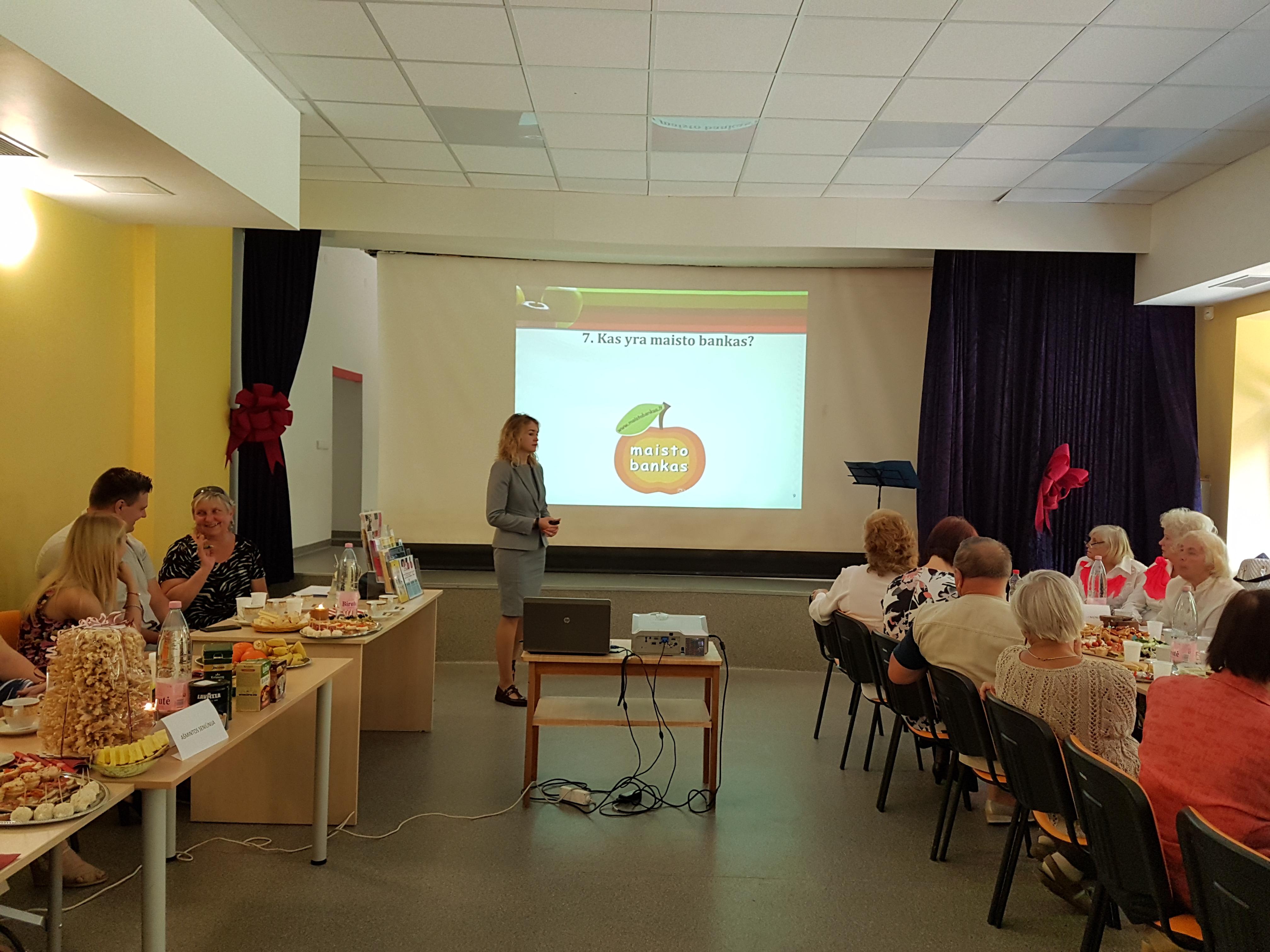 Vyko susitikimas su Prienų rajono neįgaliųjų draugijos nariais