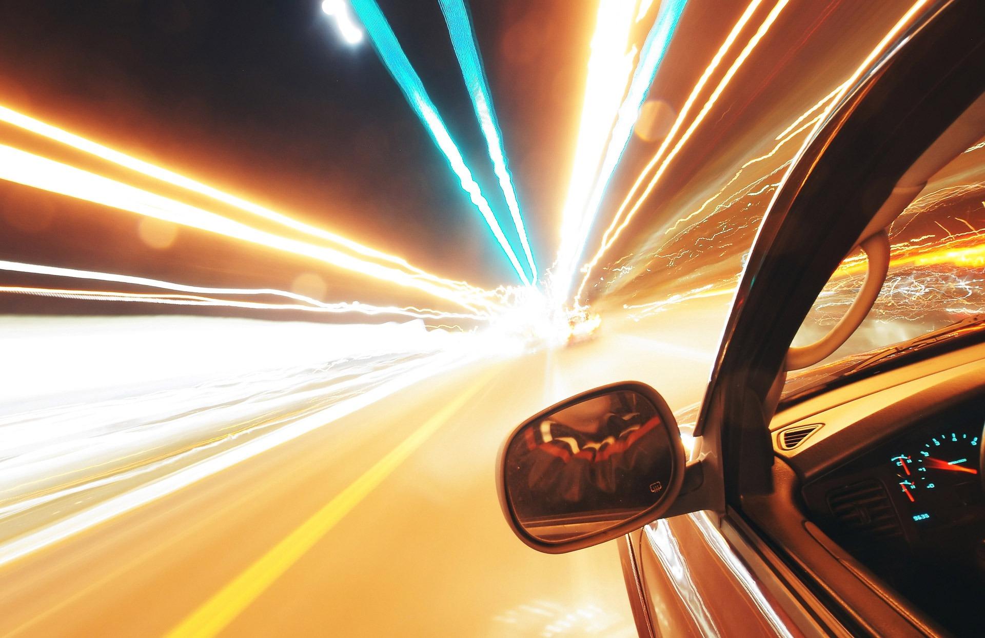 Kas ketvirtas eismo įvykis nakties metu baigiasi mirtimi