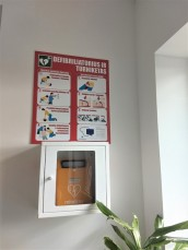 Trijose Prienų rajono vietose įrengti defibriliatoriai