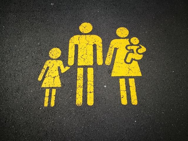 NVSC primena, kaip skaičiuojama izoliacija kartu gyvenantiems tėvams ir vaikams
